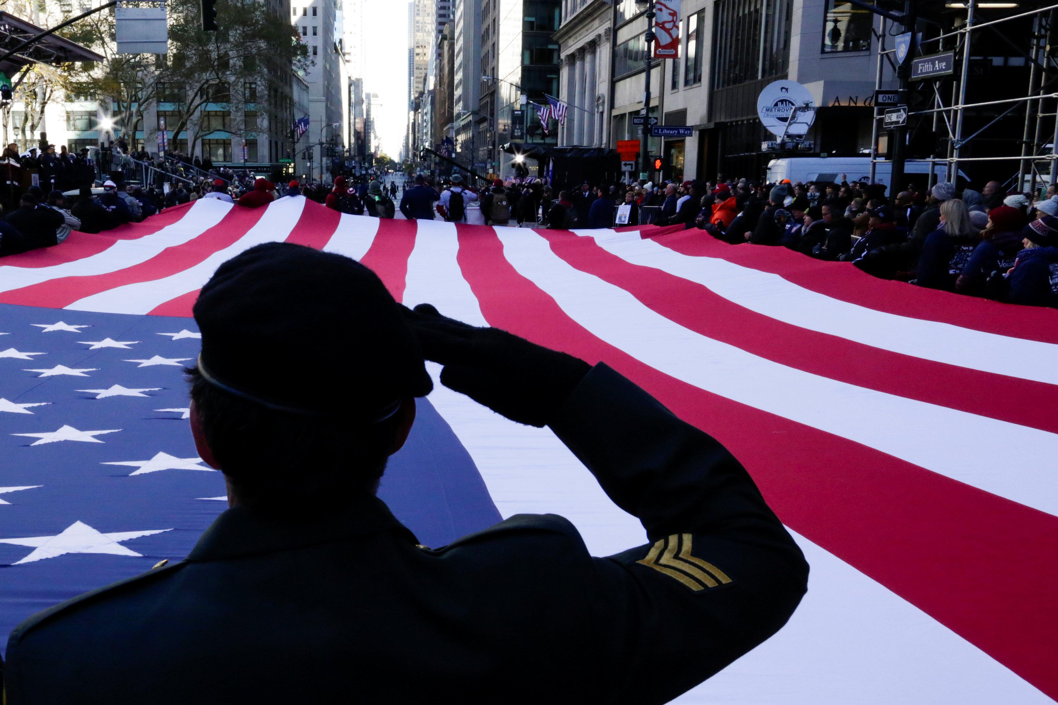 Cancelan en Washington el desfile por el Día de los Veteranos