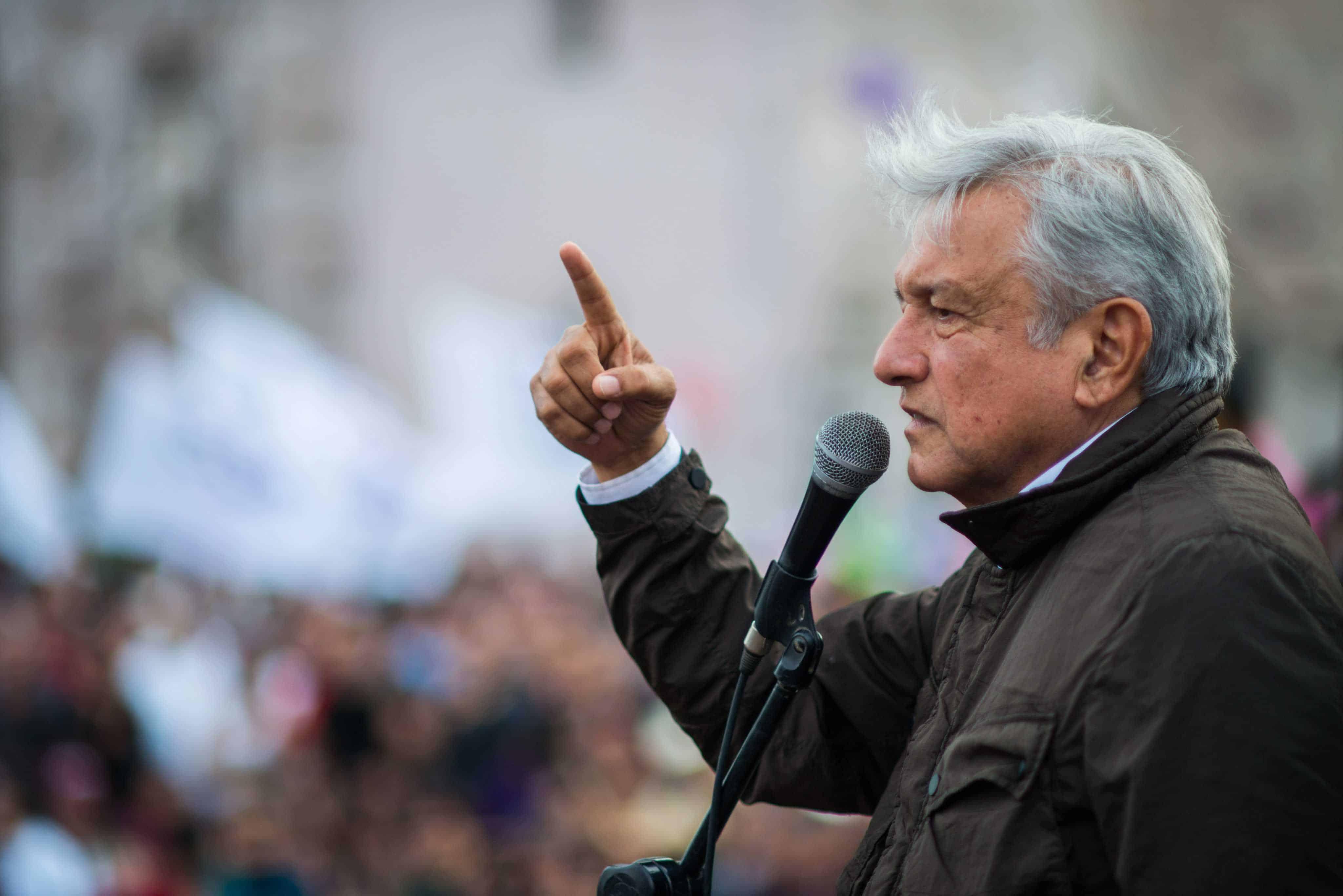 Obrador: Nadie nos amenazará con construir un muro en la frontera