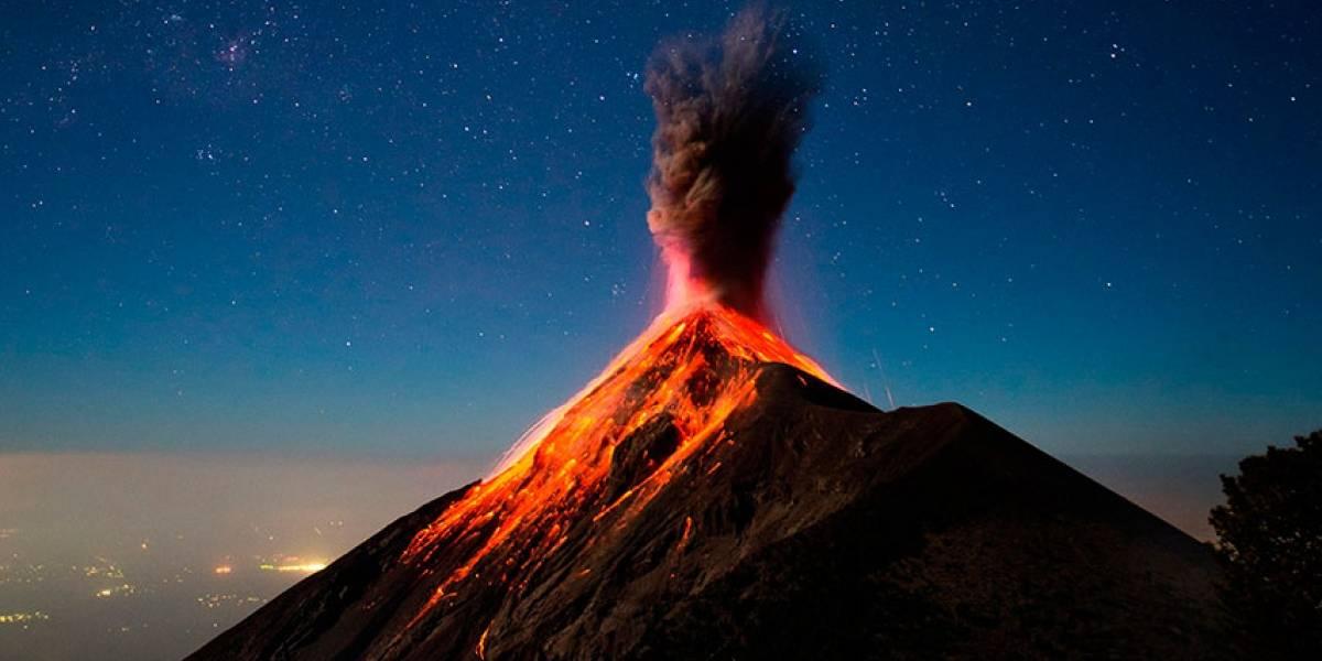 Volcán de Fuego sigue activo con explosiones y expulsión de cenizas